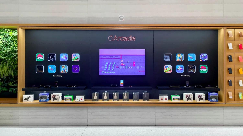 Apple разместила интерактивные стенды Apple Arcade в своих фирменных магазинах